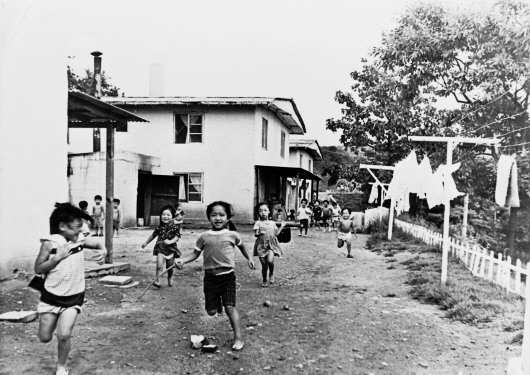 Children at Holt Town (1960s)