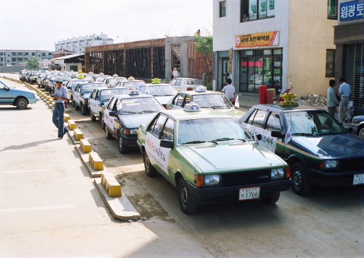 Wondang downtown and new taxi (1980)